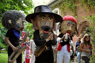 Sax Puppets - Music Walk Act